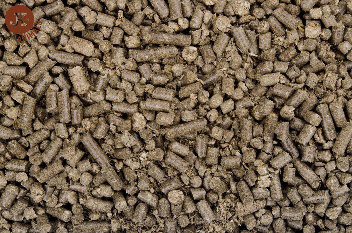 Dajana - COUNTRY MIX, Eco - litter pellets 2kg | © copyright jk animals, všetky práva vyhradené