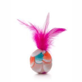 Plyšová loptička s ružovým pierkom, hračka