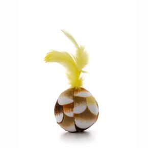 Plyšová loptička so žltým pierkom, hračka