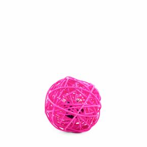 Ružová ratanová guľa so zvončekom, hračka
